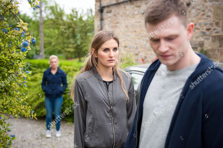 Ep 7572  Monday 1 August 2016  Holly Barton, as played by Sophie Powles, goes to talk to Victoria Barton, as played by Isobel Hodgins, but is stopped by Simon, as played by Liam Ainswoth. He warns her to call Moira off or else the people he works for will get involved. Holly's horrified to see Victoria's witnessed everything and Victoria puts the pieces together.
