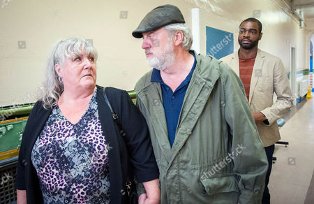 Ep 7600 Monday 29 August 2016 At the morgue, Lisa Dingle, as played by Jane Cox, becomes flustered whilst preparing to possibly identify Belle body. Zak Dingle, as played by Steve Halliwell, arrives, insisting he should be there and Lisa relents and the two go in together. Bailey's, as played by Micah Balfour, heart races as Zak and Lisa return, to confirm whether it was Belle. Zak and Lisa are united in grief.