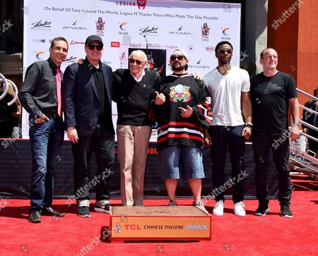 Todd McFarlane, Kevin Feige, Kevin Smith, Stan Lee and Chadwick Boseman and Clark Greg
