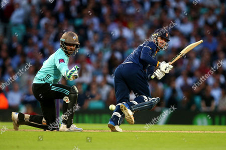 Ryan ten Doeschate in batting action for Essex as Kumar Sangakkara looks on from behind the stumps during Surrey vs Essex Eagles, NatWest T20 Blast Cricket at the Kia Oval on 19th July 2017