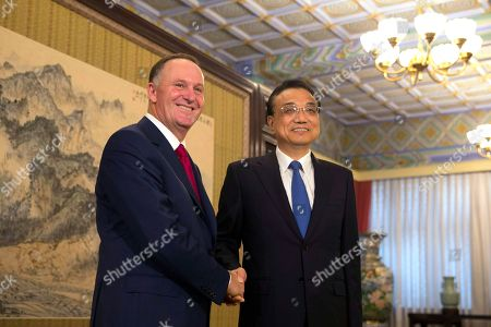John Key, Li Keqiang Former New Zealand Prime Minister John Key, left, poses with Chinese Premier Li Keqiang for a photo at the Zhongnanhai Leadership compound in Beijing . Key is leading a business delegation to the Chinese capital