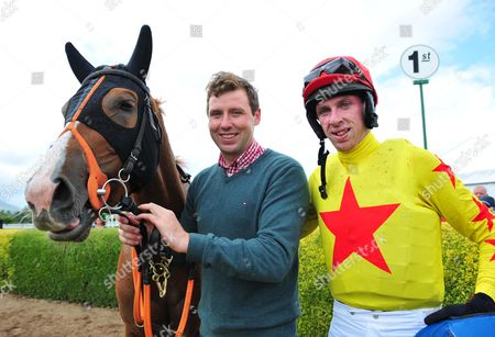 Killarney TOUCH OF GOLD With Trainer Michael Kennedy & his brother Paddy after winning the Europe Hotel handicap Hurdle.