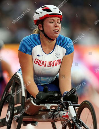 Hannah Cockroft of Great Britain appears emotional after winning gold in the Womens 400m T34 Final,