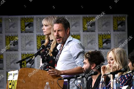 Riki Lindhome, John Ross Bowie, Johnny Galecki and Kaley Cuoco