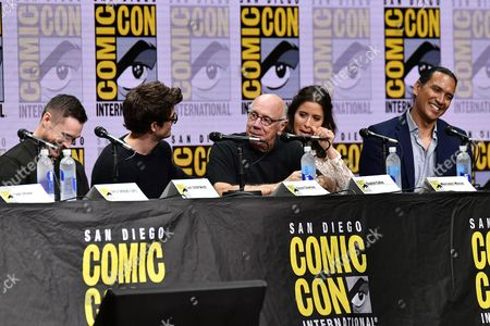 Sam Underwood, Daniel Sharman, Dayton Callie, Mercedes Masohn and Michael Greyeyes