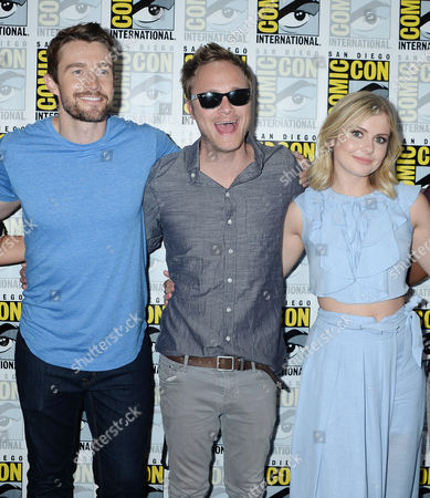 Robert Buckley, David Anders and Rose McIver