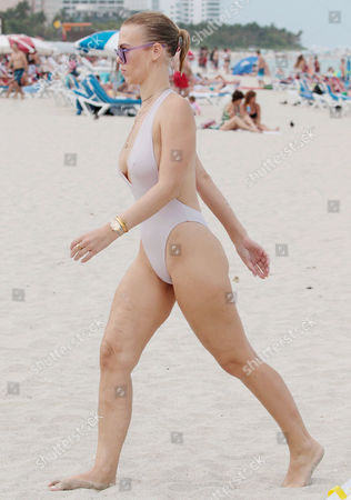 Stock Picture of Bianca Elouise