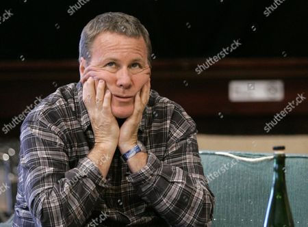 """Actor John Heard, who stars as Alex, rehearses for Steppenwolf Theatre's production of Don DeLillo's play, """"Love-Lies-Bleeding,"""" in Chicago. Heard, best known for playing the father in the """"Home Alone"""" movie series, has died. He was 72. His death was confirmed by the Santa Clara Medical Examiner's office in California on"""