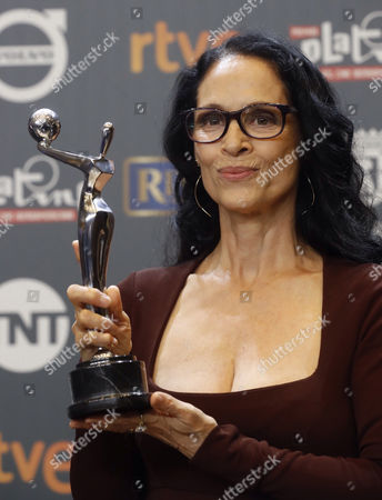 Brazilian actress Sonia Braga poses with her 'Best Female Performance Award' for 'Acuarius' during the 4th Ibero American Cinema Platino Awards ceremony at the Magic Box in Madrid, Spain, 22 July 2017.