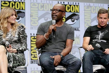 Sylvia Hoeks, Lennie James, Andrew Kosove, co-CEO and co-founder of Alcon Entertainment,