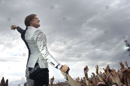 Pelle Almqvist of The Hives