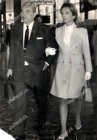 Princess Lee Radziwill Younger Sister Of The Former First Lady Jacqueline Kennedy Onassis. Lee Pictured With Her Husband Prince Stanislaus Radziwell (died June 1976). The Couple Divorced In 1974. Princess Lee Later Married The Film Director Herbert Ross. Now Mrs Lee Ross