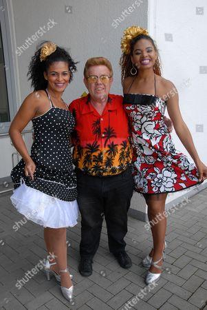 Tina (Sambatänzerin), Andrea (Sambatänzerin), Zachi Noy
