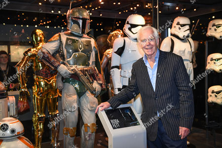 Jeremy Bulloch with the Boba Fett costume