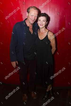 Stock Photo of Iain Glen and Michelle Fairley (Helen/Marion/Brenda)