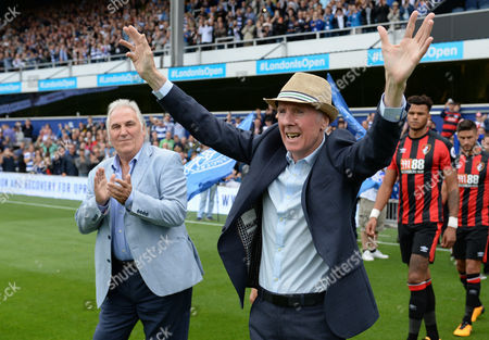 Gerry Francis, Stan Bowles walk the teams out