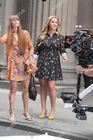 Amy Schumer and Chloe Hurst