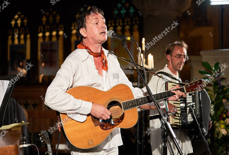 Stephen Duffy, in his band The Lilac Time, at The Church