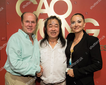 Former Los Angeles City Councilmember Tom LaBonge, Artist Cao Yong and Forest Lawn Museum Director Ana Pescador