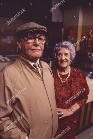 Bill Waddington (as Percy Sugden) and Jill Summers (as Phyllis Pearce)