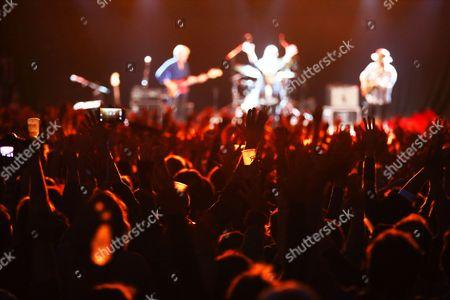 Patti Smith mit Tony Shanahan, Jackson Smith & Seb Rochford