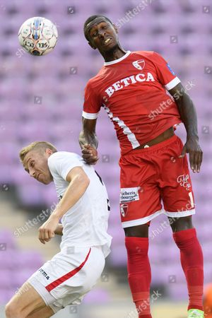 Suduva's defender Algis Jankauskas (L) fights for the ball with Sion's midfielder Kevin Constant (R) during the UEFA Europa League third qualifying round second leg soccer match between FC Sion and FK Suduva, in Geneva, Switzerland, 02 August, 2017.