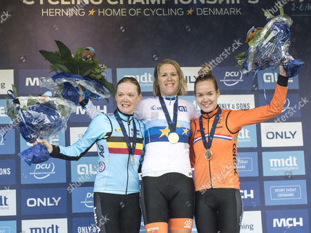 Winner and goldmedalist Ellen Van Dijk (C) from Holland, second and silver Ann-Sophie Duyck from Belgium (L) and third and bronze Anna Van der Breggen(R) from Holland on the podium during the presentation ceremony at the Cycling Road European Championships in Herning, Denmark on 03 August 2017
