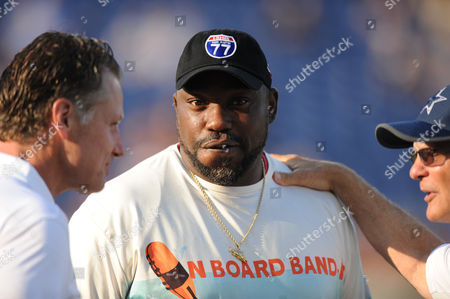 rd, Warren Sapp during the Cowboys vs Cardinals Pro Football Hall of Fame game at Tom Benson stadium in Canton, OH