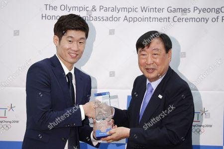 Lee Hee-beom and Park Ji-Sung