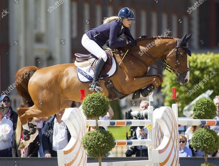 Jessica Mendoza (GBR) riding Toy Boy in action during the 09 CS15 class, The Longines Global Champions Tour, London, United Kingdom 3rd August 2017