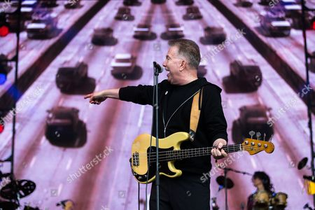 The Tom Robinson Band performs 2-4-6-8 Motorway