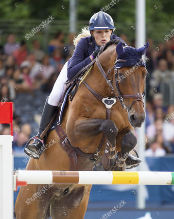 Jessica Mendoza (GBR) riding Horstvan de Mispelaere in action during the 14 CS15 class, The Longines Global Champions Tour, London, United Kingdom 6th August 2017