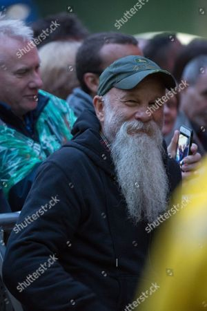 Seasick Steve watching Brian Wilson at Live From Times Square