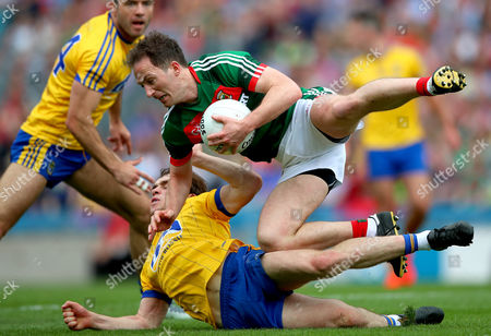 Roscommon vs Mayo. Mayo's Alan Dillon and David Murray of Roscommon