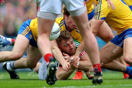 Roscommon vs Mayo. Roscommon's David Murray and Aidan O'Shea of Mayo