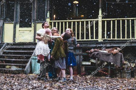 Woody Harrelson, Eden Grace Redfield, Naomi Watts, Charlie Shotwell, Ella Anderson, Eden Grace Redfield, Sadie Sink