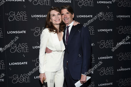 "Jeannette Walls, John Taylor Author Jeannette Walls, left, and Eric Goldberg attend the premiere of ""The Glass Castle"" at the SVA Theatre, in New York"
