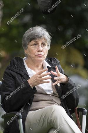 Valeria Sarmiento