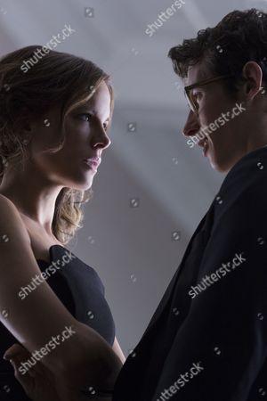 Kate Beckinsale, Callum Turner