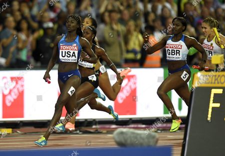 Anchor Tori Bowie of USA brings her contry to victory during the women's 4x100m relay final during the IAAF World Championships in Athletics in London, 12th August, 2017.