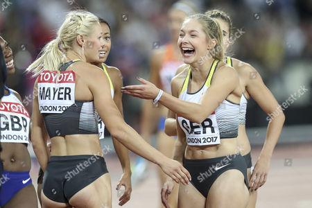 Die 4x100m Staffel der Frauen umuesiert sich: v.l. Lisa Mayer, Tatjana Pinto, Gina Lueckenkemper, verdeckt Rebekka Haase, 12.08.2017 im London Stadium waehrend der IAAF World Championships vom 04.-13.08.2017 in London  ........