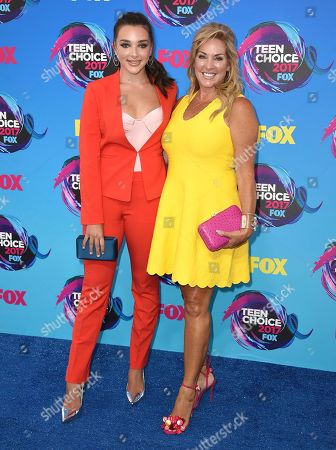 Kendall Vertes, Jill Vertes Kendall Vertes, left and her mother Jill Vertes arrive at the Teen Choice Awards at the Galen Center, in Los Angeles