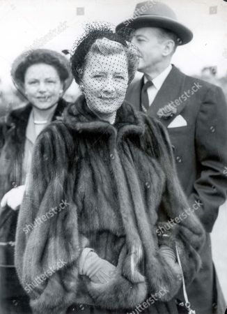 Irene Dunne (1901-1990) Actress Irene Dunne At Epsom For The Derby...actresses.