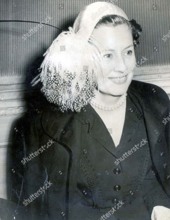 Irene Dunne (1901-1990) Actress Irene Dunne The Film Star At The Zanuck Party At Claridges...actresses.