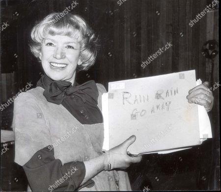 Dorothy Squires ..... Singer ... (died April 1998) ..... Dorothy Squires - British Singer And Cabaret Artiste.