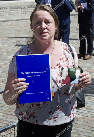 Sarah O'Connor Who Lost A Relative In The Iraq War Today The Chilcot Inquiry Released It's Findings. Relatives Of Those Who Died In The Iraq War Leave The Chilcot Inquiry Press Conference At The Qeii: Today The Chilcot Inquiry Released It's Findings. 2016/06/07.