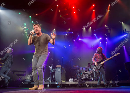 Rob Thomas, Kyle Cook, Brian Yale, Paul Doucette Rob Thomas, Kyle Cook, Brian Yale and Paul Doucette with Matchbox Twenty performs during the Matchbox Twenty & Counting Crows: A Brief History Of Everything Tour at Lakewood Amphitheatre, in Atlanta