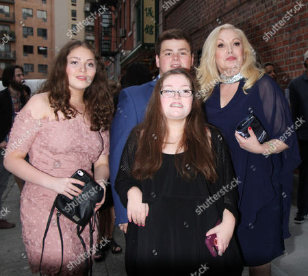 Cathy Moriarty and family