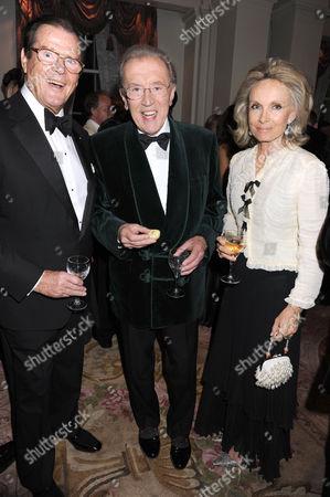 Sir Roger Moore, Sir David Frost and Christina 'Kiki' Tholstrup