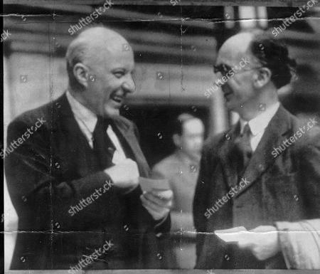 Edward Hugh John Neale Dalton The Right Honourable The Lord Dalton (chancellor Of The Duchy Of Lancaster Chancellor Of The Exchequer) Died 13/02/1962 At The Age Of 75. Baron Hugh Dalton Is Seen At The Labour Party Conference At Blackpool With Iwan Morgan The Parliamentary Labour Candidate For Cardiganshire.